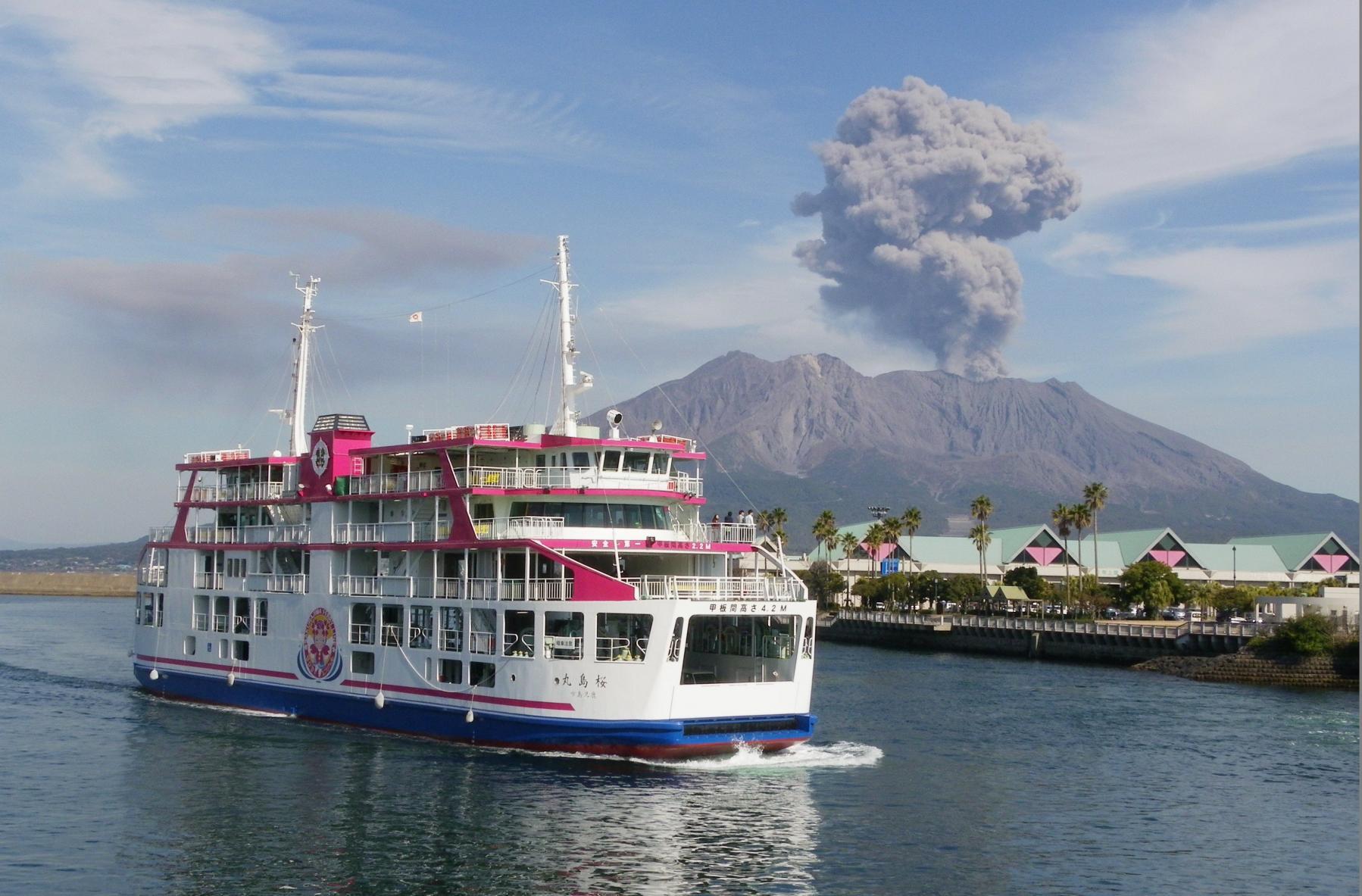 You can take a bicycle on the Sakurajima Ferry-1