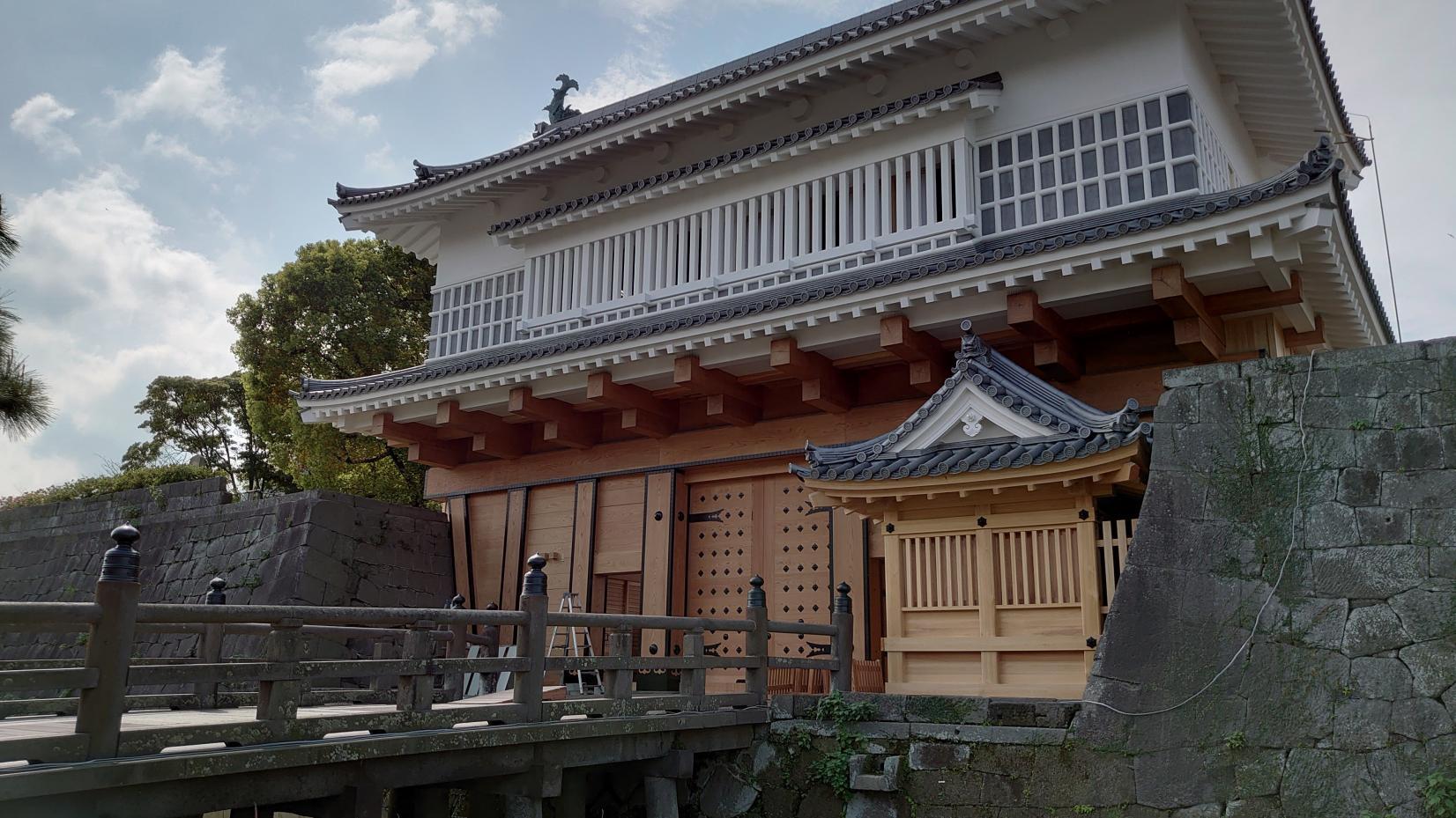 本丸跡(御楼門)-1