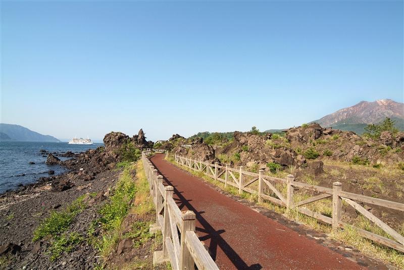 溶岩なぎさ遊歩道-1