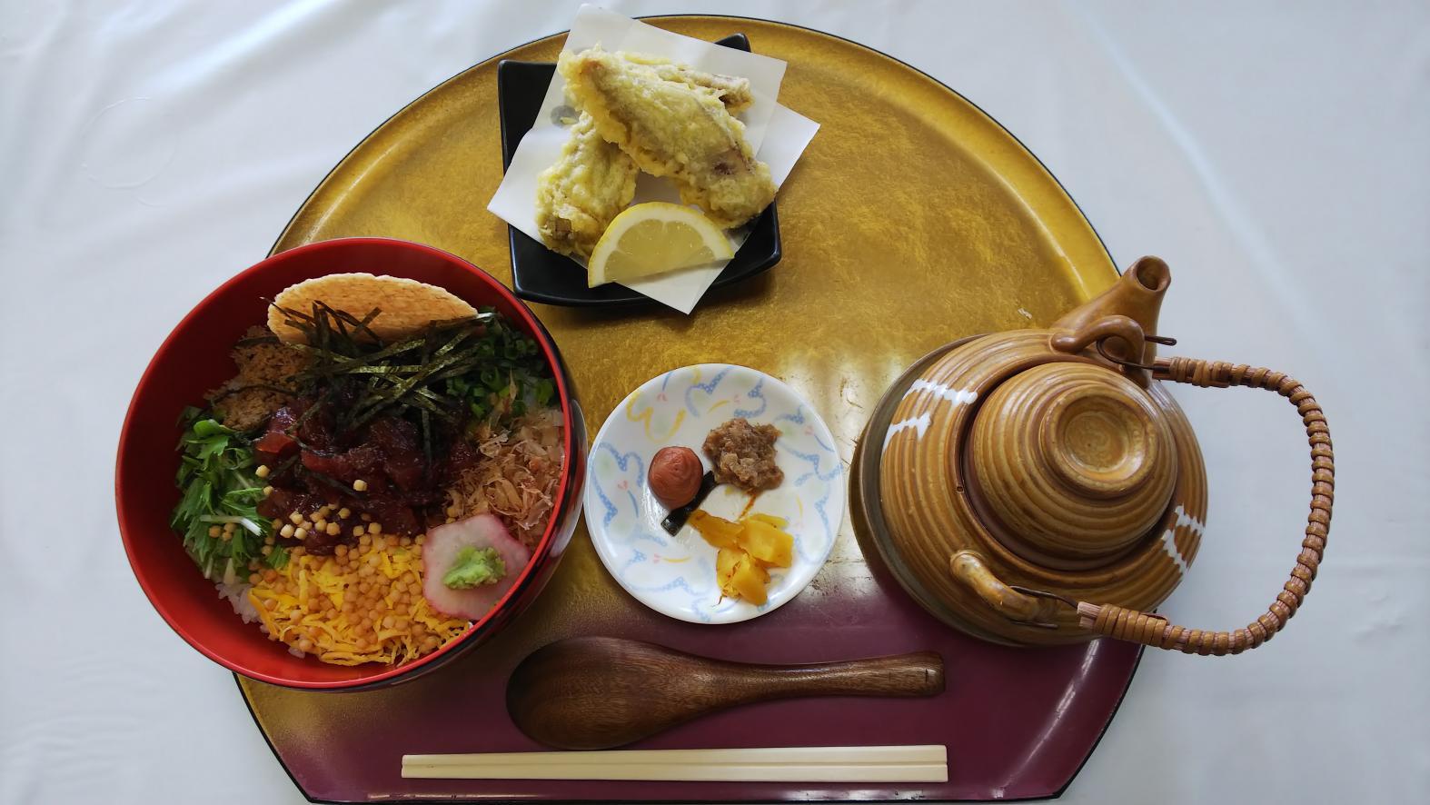 枕崎市内(昼食:かつお料理)-1