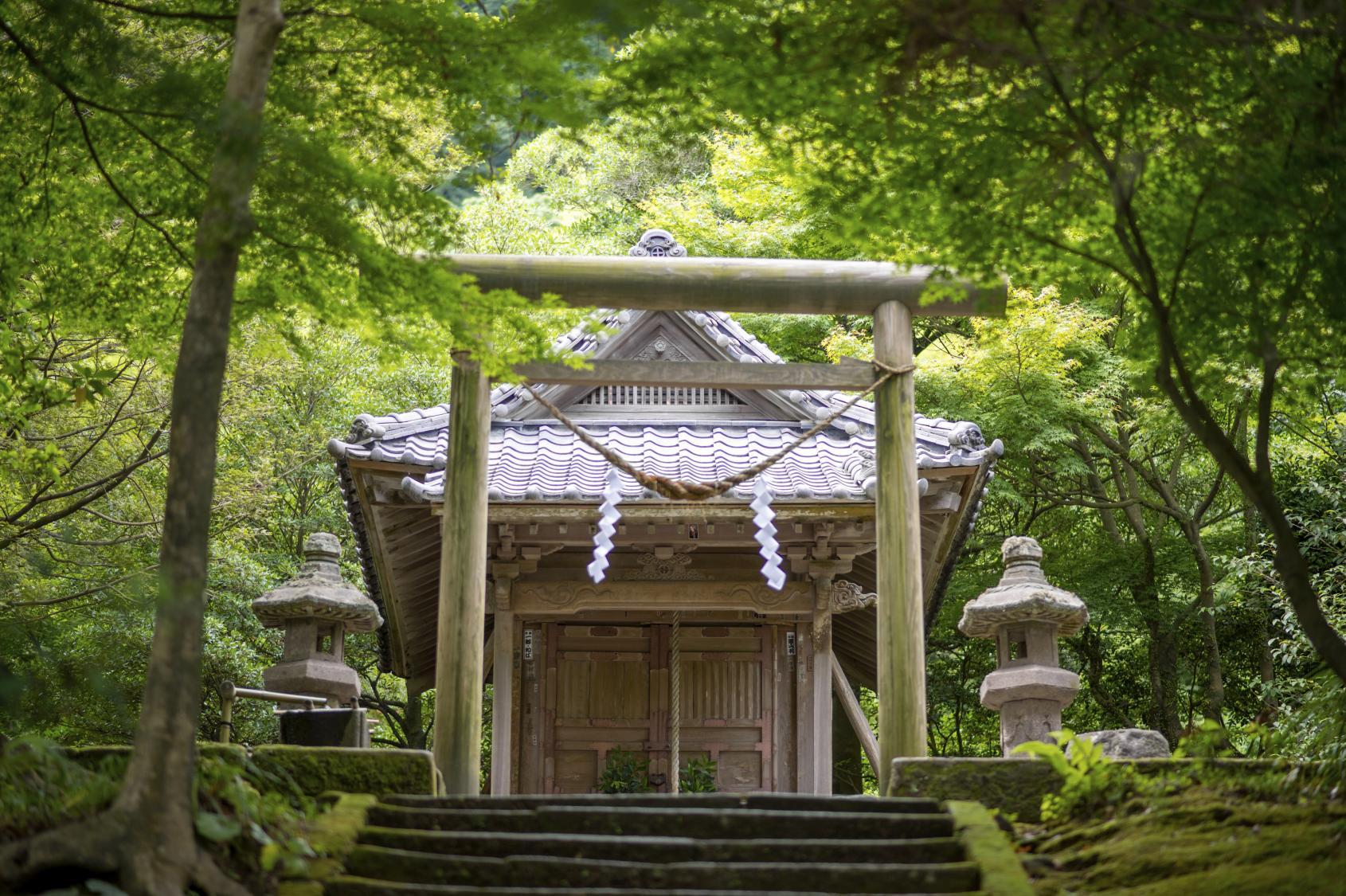 Oniwa Shrine-1