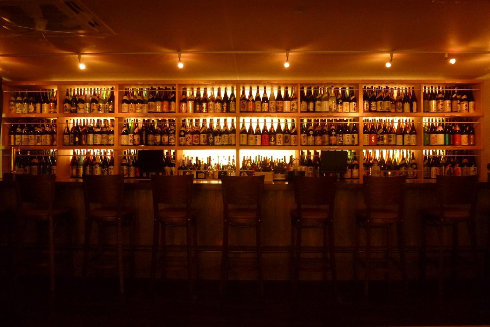 プレミア、限定、終売品の焼酎も味わえるかも!?鹿児島の夜は焼酎バーでキメル!-0