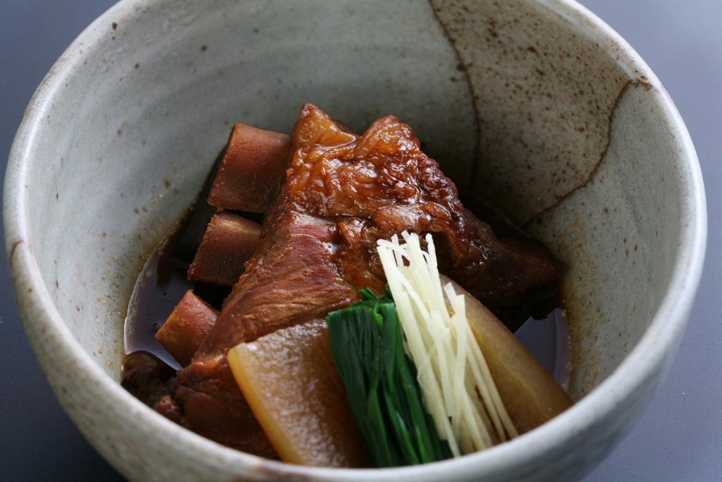 """가고시마의 향토 요리 """"흑돼지 가쿠니(삼겹살 장조림)(돈코쓰)""""-0"""