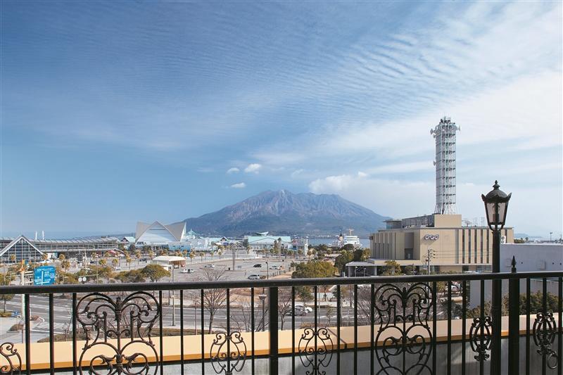 壮大な桜島を定点観測!桜島が見える宿-0