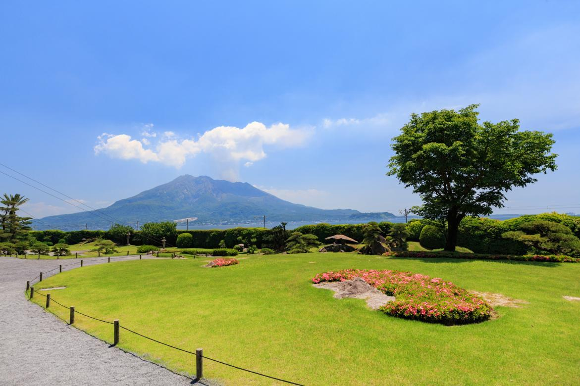 Magnificent views of Sakurajima from the house and gardens of the Shimadzu clan-0