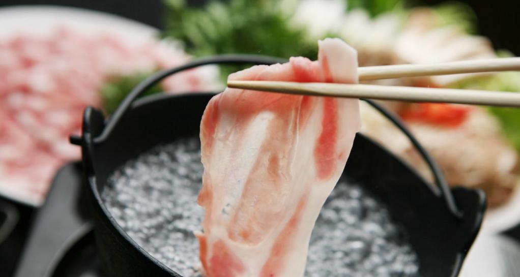 鹿児島を代表する郷土料理「黒豚しゃぶしゃぶ」-0