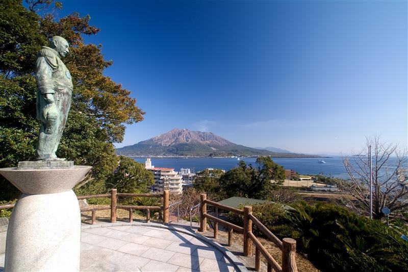 コース7【オプション1】:東郷元帥が立つ多賀山から眺める錦江湾-1