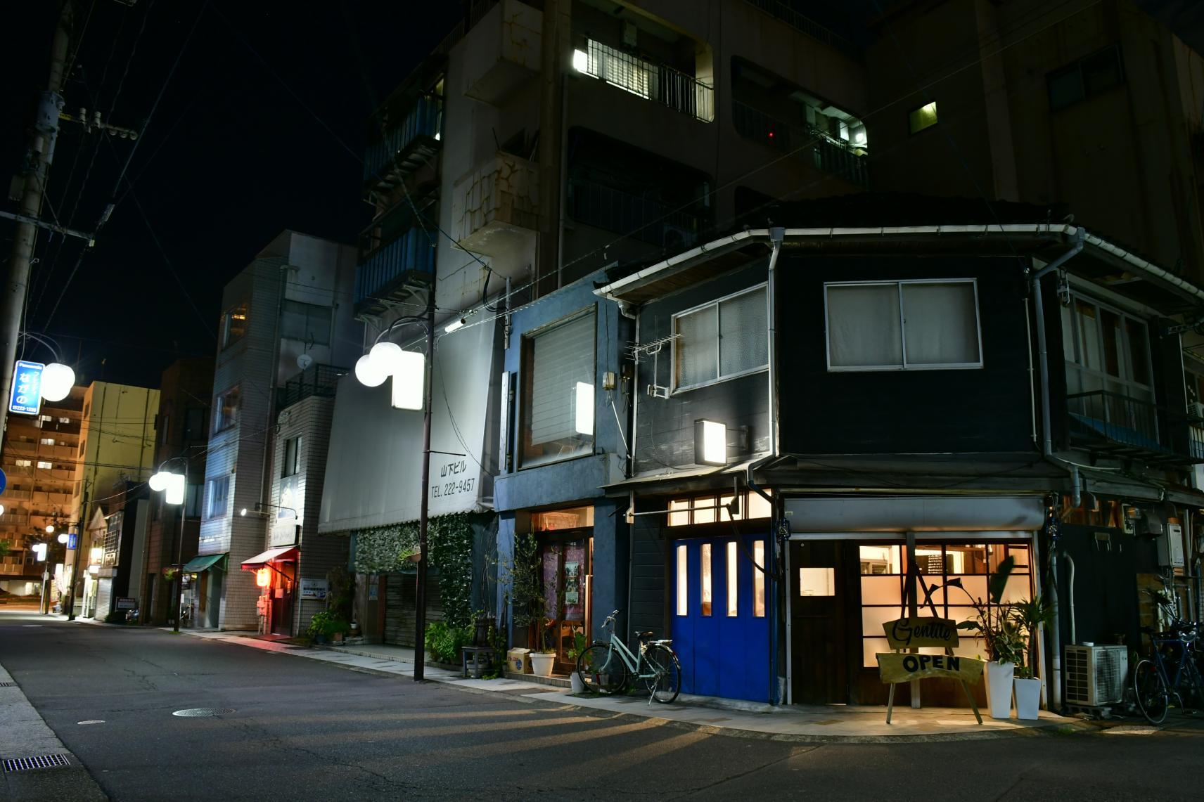 名山堀(路地裏のレストラン)-1
