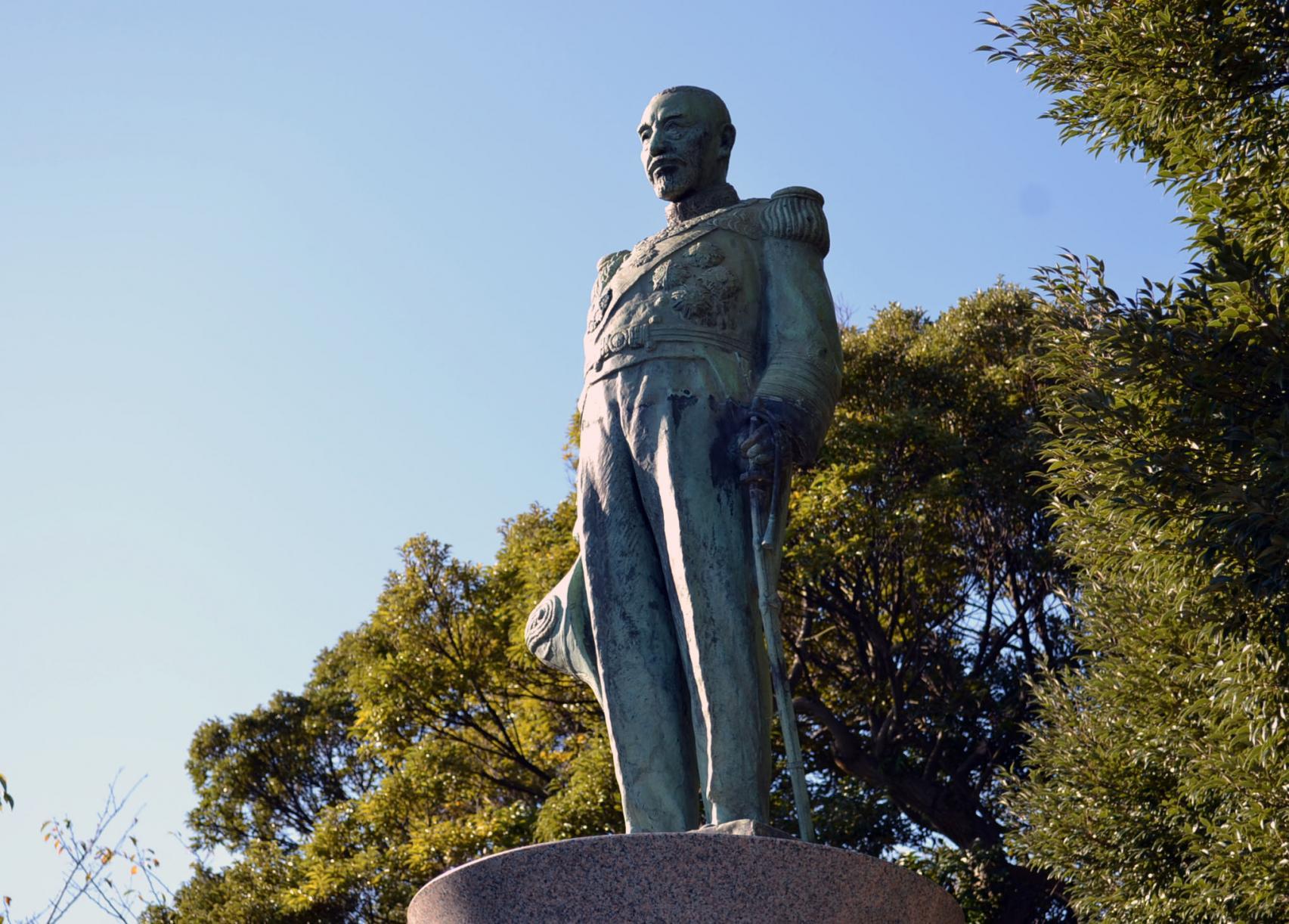 東郷平八郎銅像-1