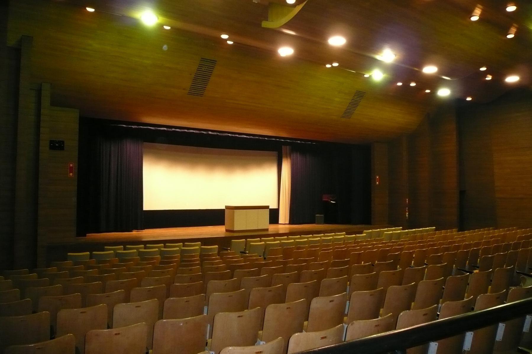 鹿児島県産業会館-1