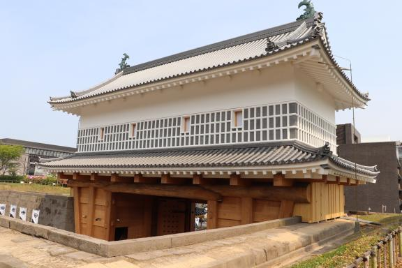 鶴丸城 御楼門-5