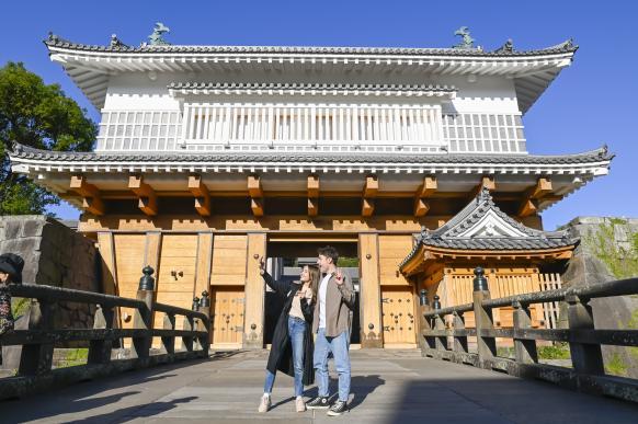 Tsurumaru Castle Ruins (Goromon Gate)-4