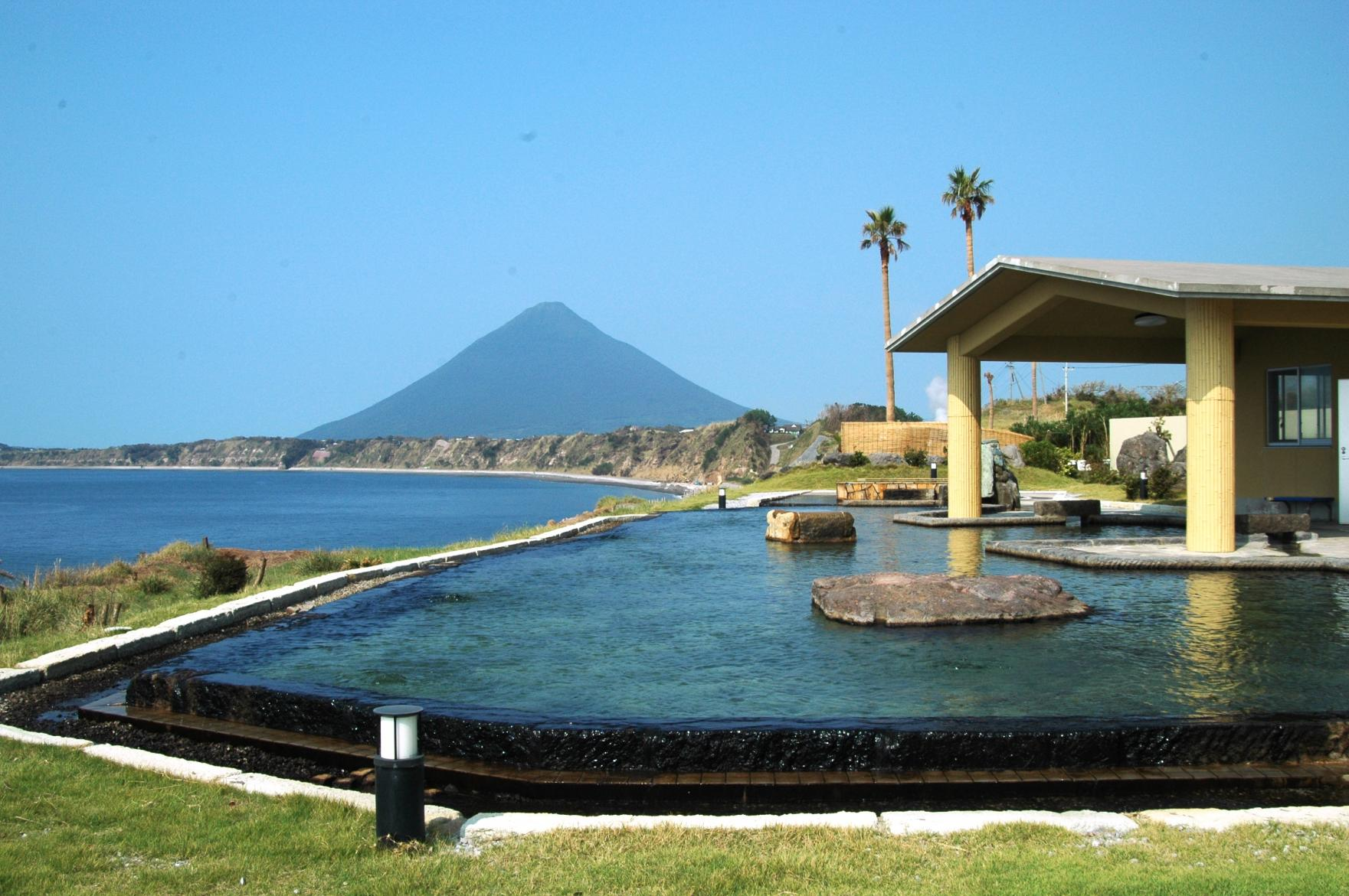 "[Ibusuki City] HealthyLand ""Tamatebako"" Outdoor Hot Springs-1"